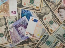 várias notas de euro