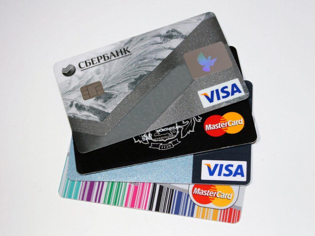 dois cartões de crédito