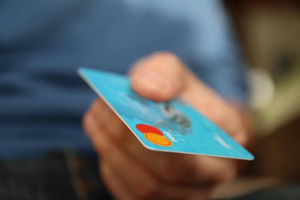 cartão de crédito com nome sujo