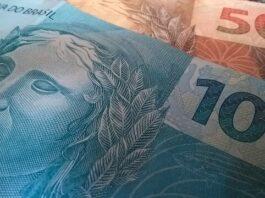 investimento e dinheiro em notas