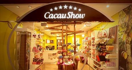 imagem da fachada de uma franquia da Cacau Show