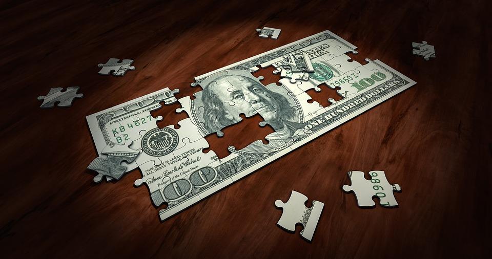 nota de dinheiro para empréstimo com peças faltando