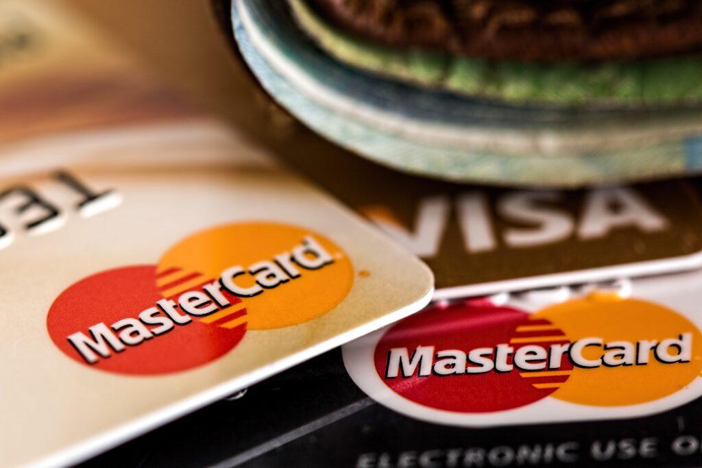 comparar cartões de crédito no IQ360