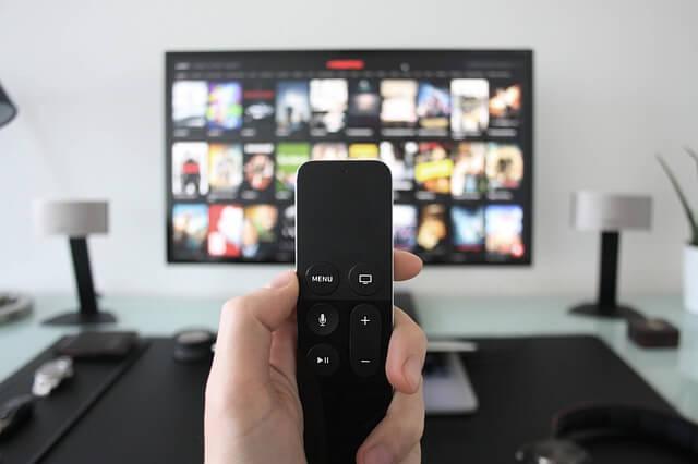 Vale a pena fazer combo de internet, TV e telefone?