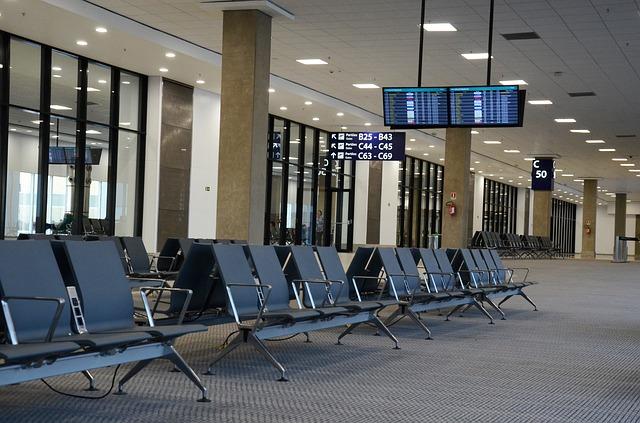 imagem de uma sala de espera em aeroporto