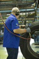 Trabalhadores da indústria temem perder empregos para robôs