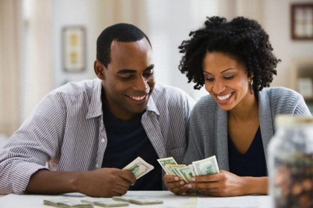 falar de dinheiro em casa