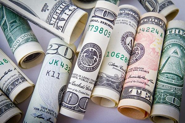 Dólar comercial e dólar turismo