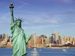 estátua da liberdade com a cidade de Nova York ao fundo