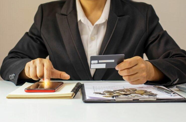 mei usando cartão de crédito