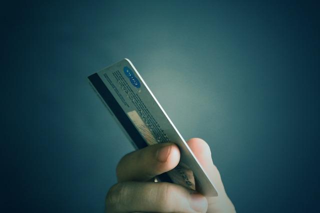 Quem pode ter máquina de cartão de crédito?