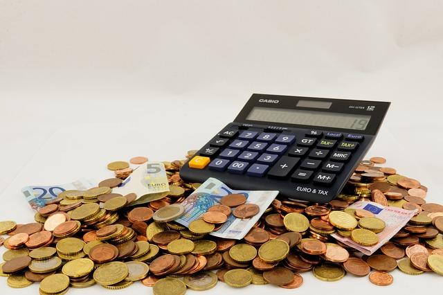7 dicas para economizar dinheiro no dia a dia