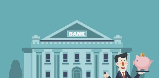 Ilustração de homem de terno na frente de um banco, segurando um cofre de porquinho