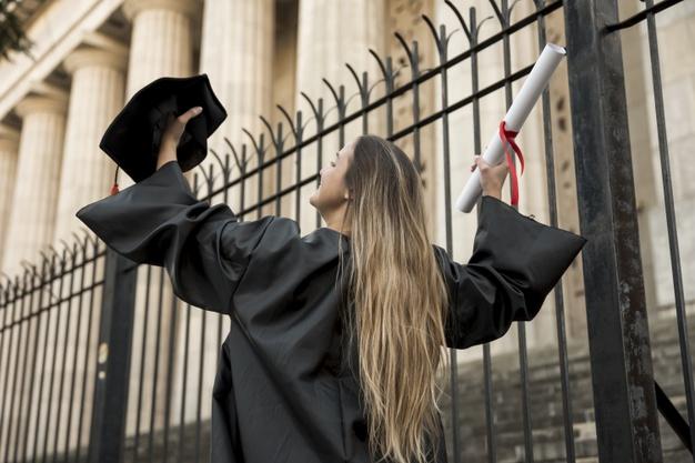 O financiamento estudantil pode ser uma opção para conseguir o diploma de nível superior
