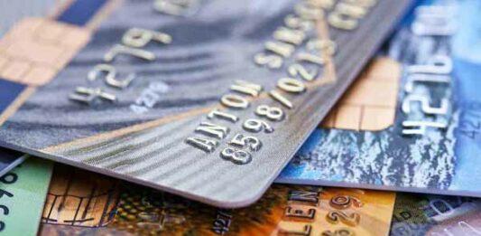 vários cartões de crédito juntos