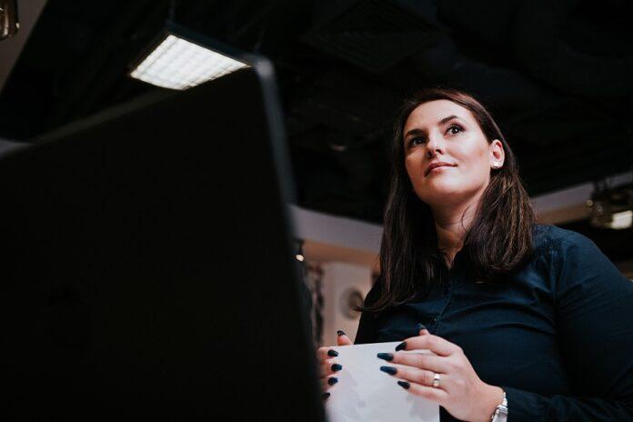 Microempreendedora individual em seu escritório