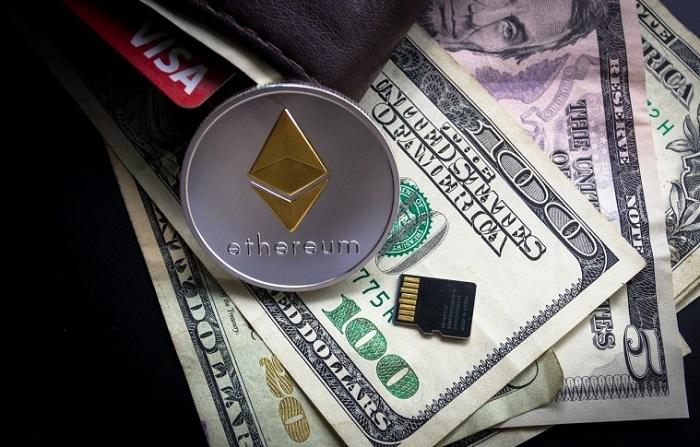 Ethereum e notas de dólar