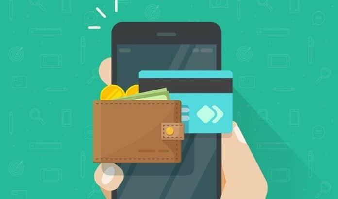 Ilustração de pessoa segurando celular, cartão de crédito e carteira marrom cheia de dinheiro
