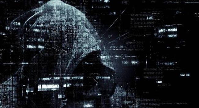 Ilustração de uma tela de login sobre imagem de um homem usando um notebook